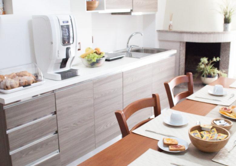 a casa di amici - cucina